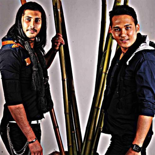 دانلود آهنگ Fadaki Brothers عاشقیم با تو