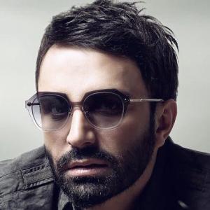 Ali Lohrasbi – Del