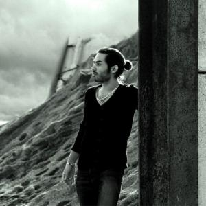 Hesamodin Mousavi Donyaro Vasat Beham Mirizam